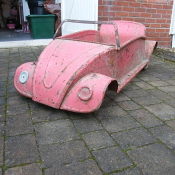 Old german pedal car vw? - Toys