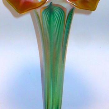 Quezal Floriform Lily Vase c.1915 - Art Glass