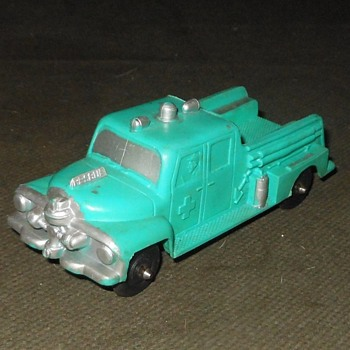 Auburn Rubber Fire Truck - Model Cars