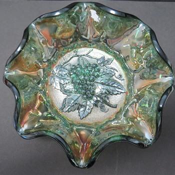 "Imperial Carnival Glass 7"" Bowl - Heavy Grape Pattern - Glassware"
