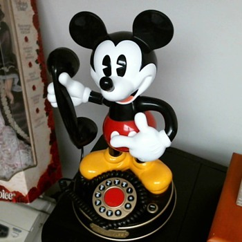 Mickey Mouse Phone..What year is this? A real Phone?