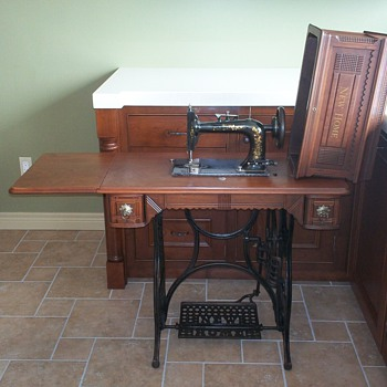 1891 New Home Sewing Machine - Sewing