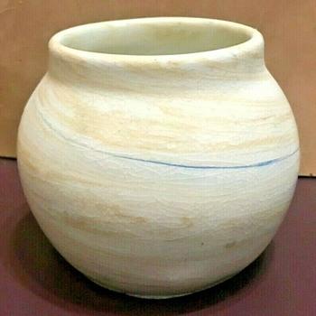 Alice Mary Egan Hagen (1872-1972) Mahone Bay (NS) Scotian Pebble Vase - Pottery
