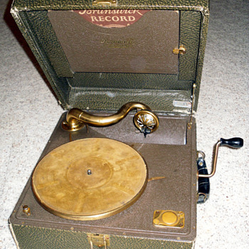 Brunswick Portable 78RPM Record Player - Records