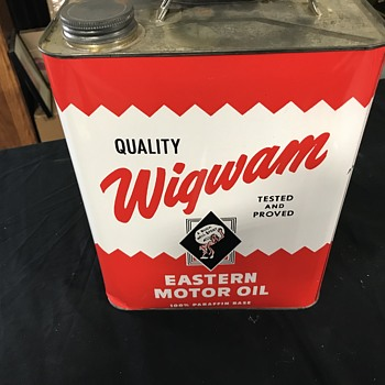 Wigwam 2 gallon motor oil can  - Petroliana