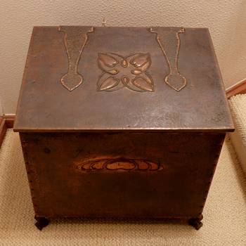 A Hayle Copper Wood Box with designs by Talwin Morris, early 1900's - Art Nouveau