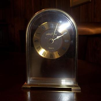 Seth Thomas Quartz Clock - Clocks