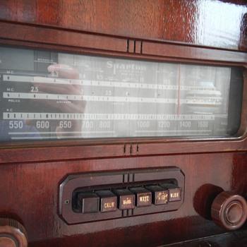Sparton Radio - Radios