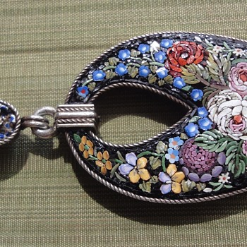 Micro Mosaic Flower Beetle Pendant in Vermeil (1872-1933) - Fine Jewelry