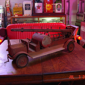 No. 56 Keystone Water Pump Tower Fire Truck Engine - Model Cars