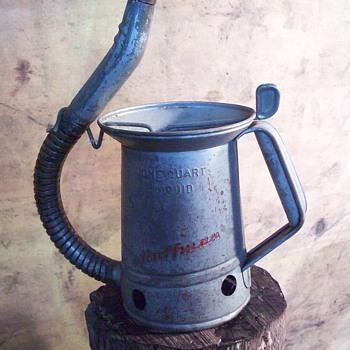 Huffman 1qt bulk oil can - Petroliana
