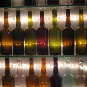 OLD WHSKEY BOTTLES - Bottles