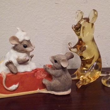 Charming Tails mice figure, Pilgrim Glass mouse - Art Glass