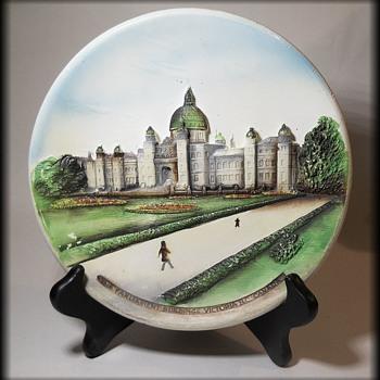 GENUINE LEGENDWARE ( England ) Chalkware - The Parliament Buildings Victoria, B.C -  Canada  - Figurines