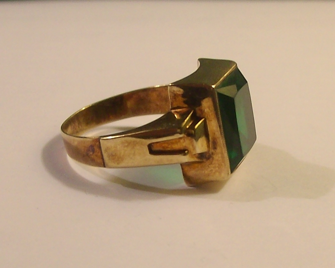Mans Synthetic Old Emerald Ring In 10k Quot Cushion Cut Quot Stone