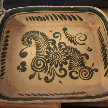 Slipware?  Stoneware?  What is it? Old? New? - China and Dinnerware