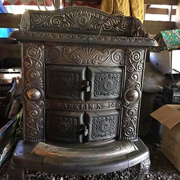 Need more information on this pretty little stove - Kitchen