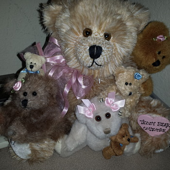 My new family of antique teddys - Animals