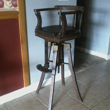Childs barber chair - Furniture