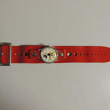 MICKEY MOUSE WRIST WATCH