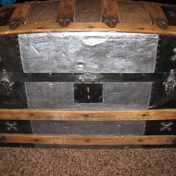 Antique dome top trunk - Furniture