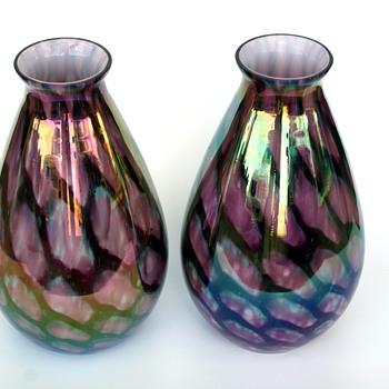 "Kralik pair of  ""turtle shell""?? Iridescent ball/tear drop vases - Art Glass"