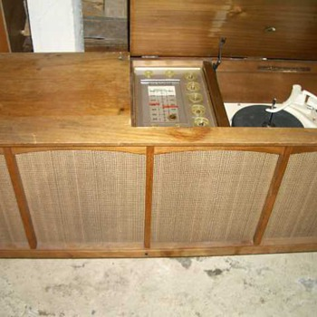 RCA 3 channel tube amp and Garrard 210 TT