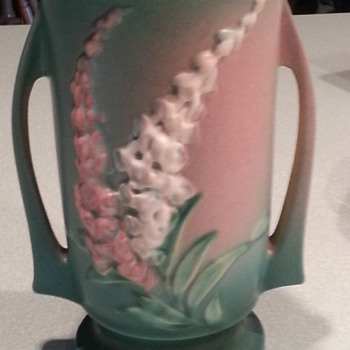 Great piece of Roseville - Pottery