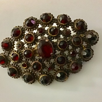 Pretty brooch - Fine Jewelry