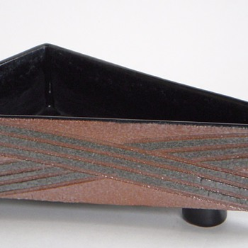 Mid Century Pottery Planter/Container, Interesting Scratched Design~Mark? - Mid-Century Modern