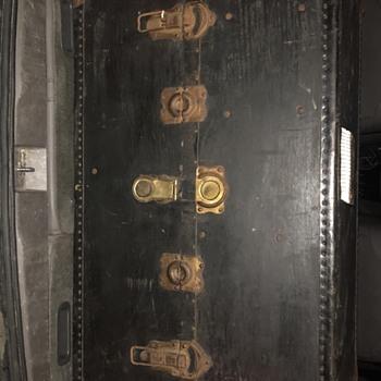 The Hartmann Steamer trunk  - Furniture