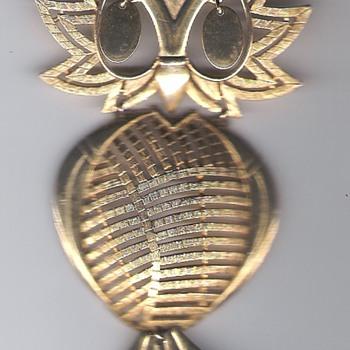 Owl Pin - Costume Jewelry