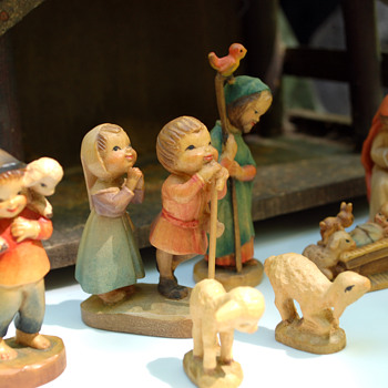 "ANRI Ferrandiz 3"" Nativity (1970's) - Christmas"
