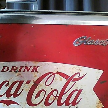 Vintage Coca-Cola Machine/Chest-Cooler - Coca-Cola