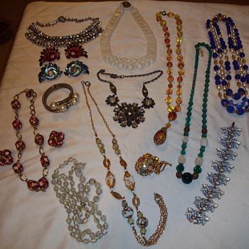 Pickin therapy! - Costume Jewelry