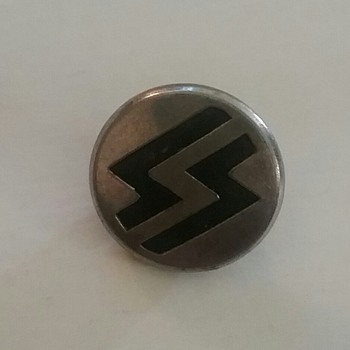 German  uniform button  - Military and Wartime