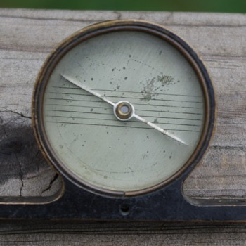 "COMPASS--""mantel clock"" shaped brass compass--what is it from???? - Tools and Hardware"