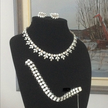Sherman Full Surround — Necklace & Earring Set, 1950 - Costume Jewelry