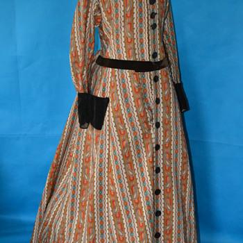 1860's Civil War era paisley wrapper...what a find!