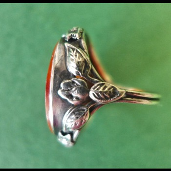 Arts and crafts silver ring with chinese carved carnelian. - Arts and Crafts