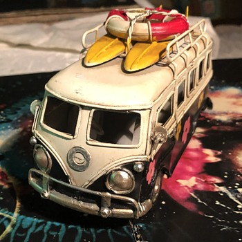 Kombi Van-Surf's Up. - Model Cars