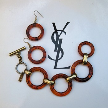 "YSL tortoiseshell or rootbeer ""bakelite"" bracelet w/sorta matching earrings - Costume Jewelry"