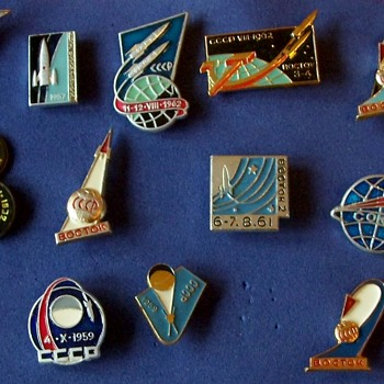Soviet Space Exploration Pin Badges - Medals Pins and Badges