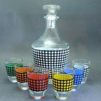 HOUNDSTOOTH Plaid Decanter Set FRANCE - Glassware