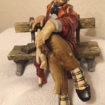 Hobo on Bench - Figurines