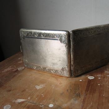 Cigarettes box Silver (1900?)