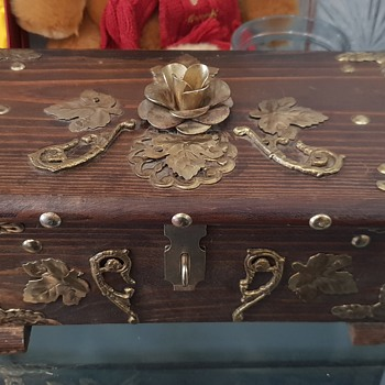 Wooden brass jewellery box (flower patterned ) - Fine Jewelry