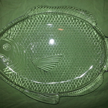 Poisson Fish Shape Molded Clear Glass Plate - Glassware