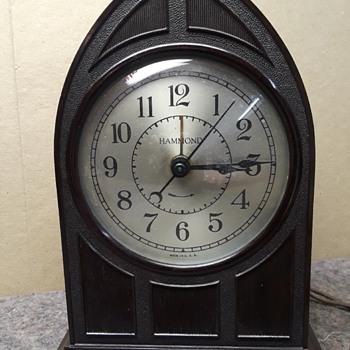 "HAMMOND ""RAVENSWOOD"" electric alarm clock (#1) -- SPIN TO START! :-) - Clocks"