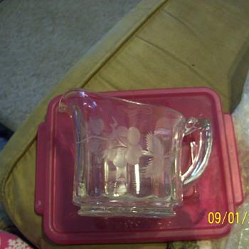 Sugar dish and Creamer - Glassware